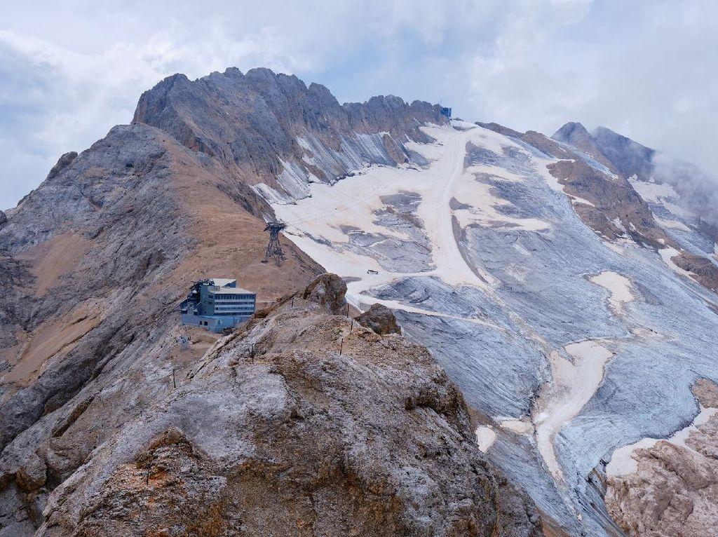 Kabar Buruk, Gletser Ikonik di Italia Diprediksi Hilang 15 Tahun Lagi