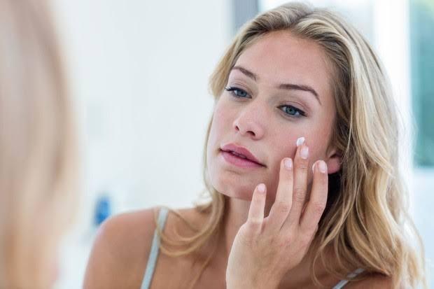 Selama menggunakan The OrdinaryPeeling Solution, gunakan sunscreen dan hindari beraktivitas di bawah sinar matahari atau di luar ruangan.