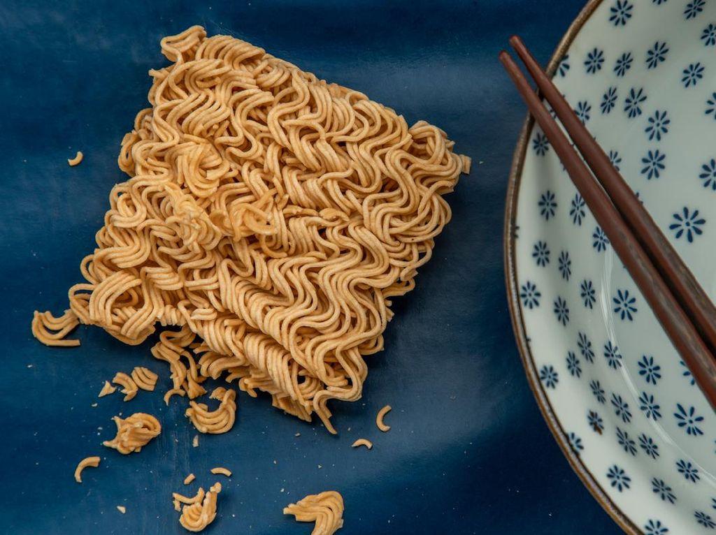 Orang RI Doyan Makan Mi Instan, Impor Gandum Jadi Tinggi Nih