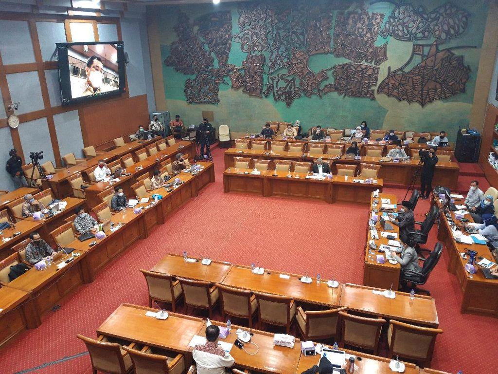 Diminta Jokowi, Nadiem Makarim Siapkan Uji Coba Penyederhanaan Kurikulum 2013