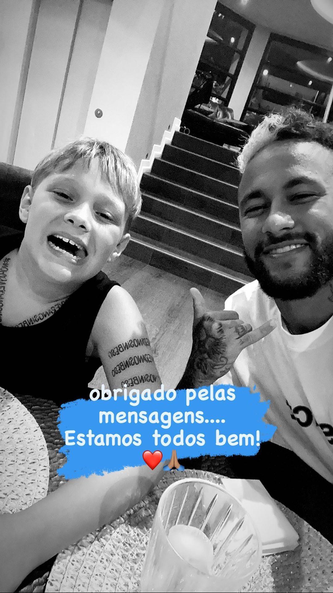 Neymar bersama sang putra, Davi Lucca, positif terjangkit virus Corona usai berlibur di Pulau Ibiza, Spanyol.