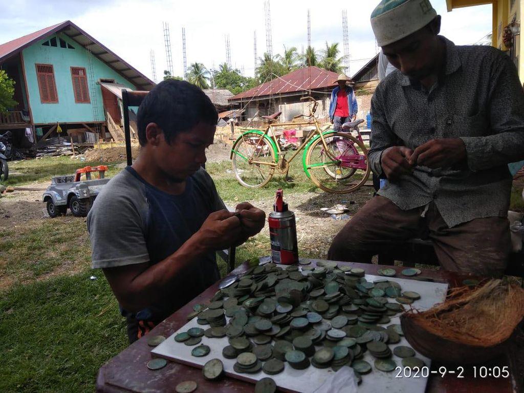 Penggali Kubur Temukan Ratusan Koin di Aceh, Ada Tulisan Queen Victoria 1883