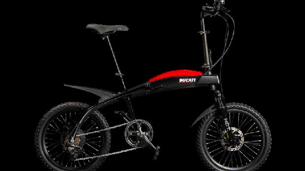 Sepeda lipat Ducati.