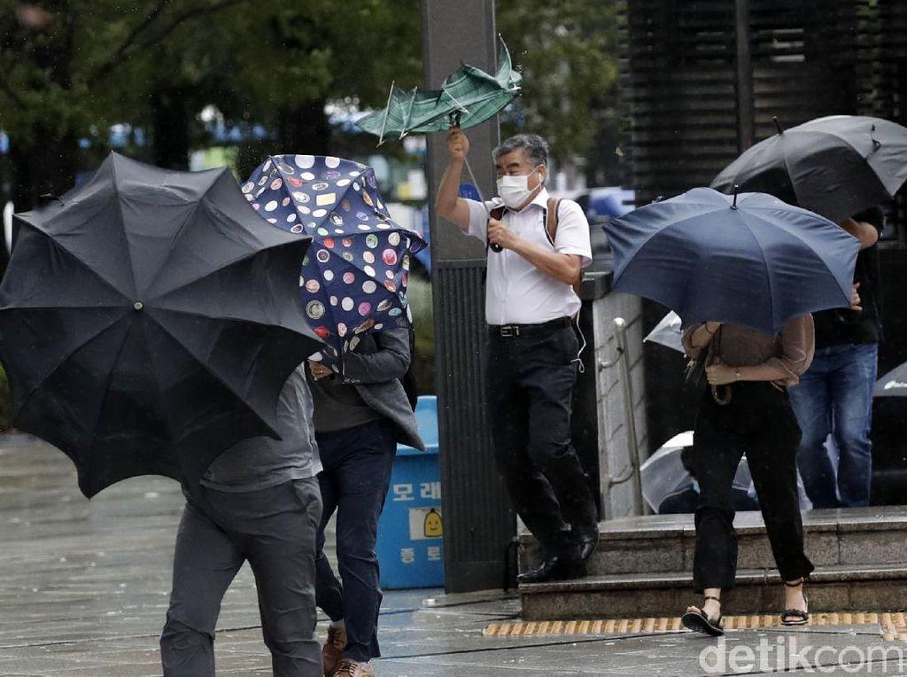 Jepang Bersiap Hadapi Topan Dahsyat Haishen