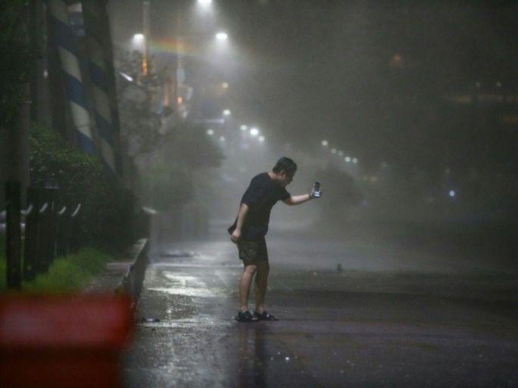Video Topan Maysak Ngamuk di Korea Selatan