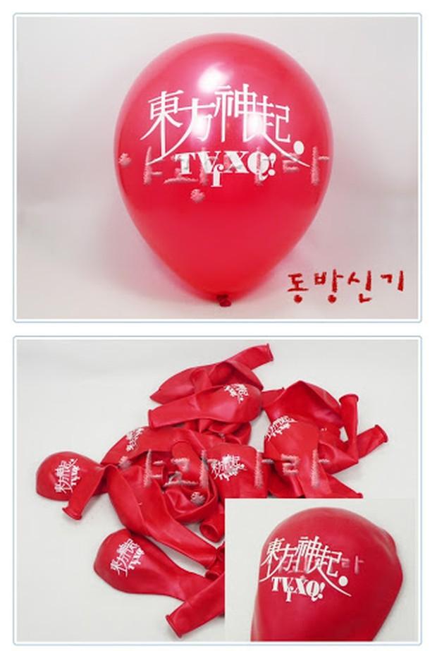 Sebelum ada lighsttick, dulu ada balon sesuai dengan warna tiap grupnya.