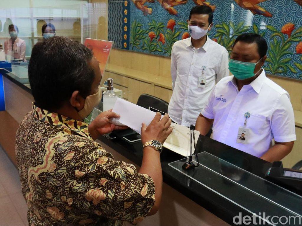 Bank di Bandung Mudahkan Transaksi di Hari Pelanggan Nasional