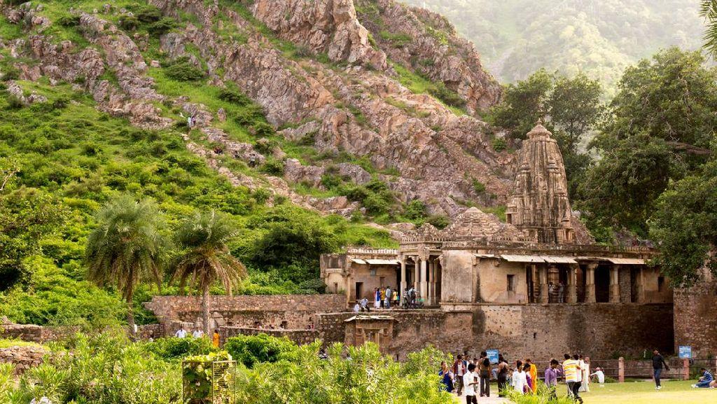 Benteng Penyihir India yang Terkutuk