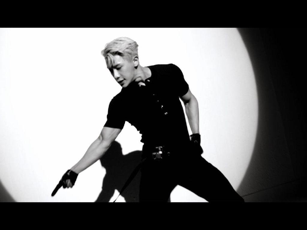 Wonho Resmi Debut Solo dengan Lagu dan MV Open Mind