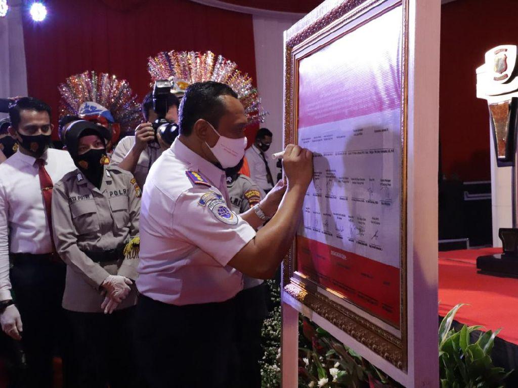 Stakeholder Pelabuhan Tanjung Priok Deklarasi Priok Bermasker