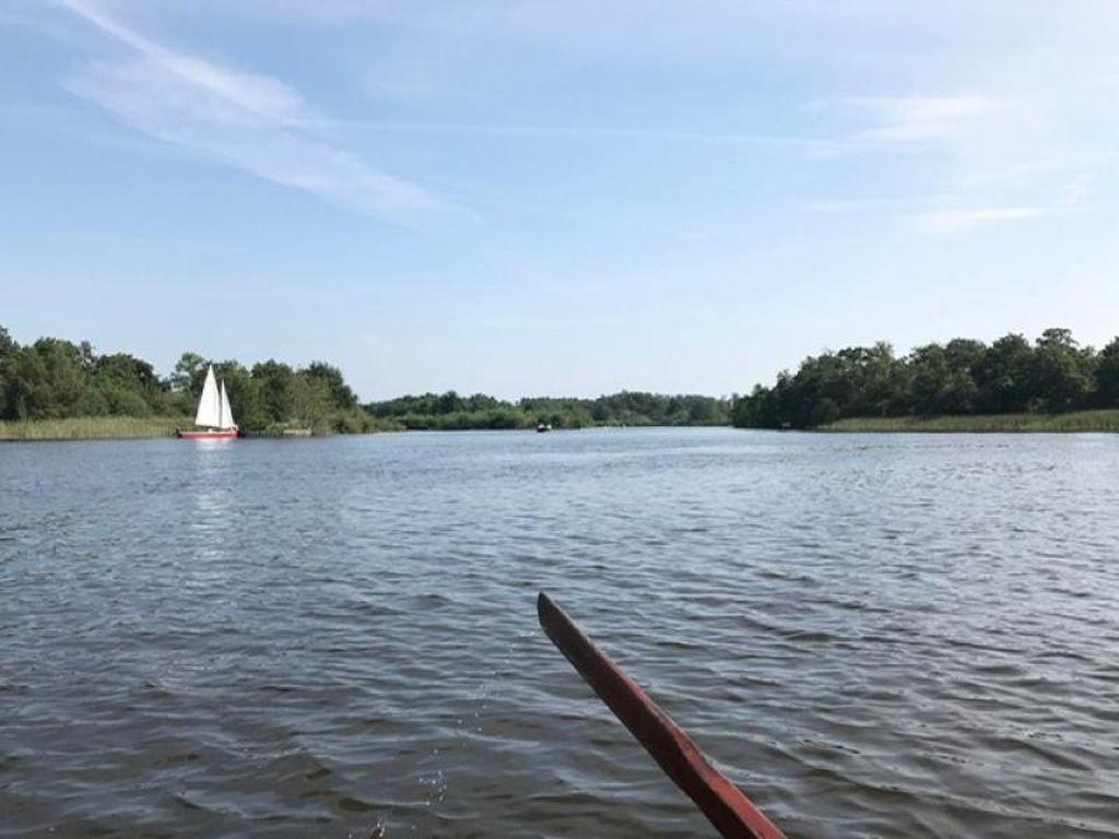 Foto: Dayung-dayung di Danau Loosdrecht Belanda