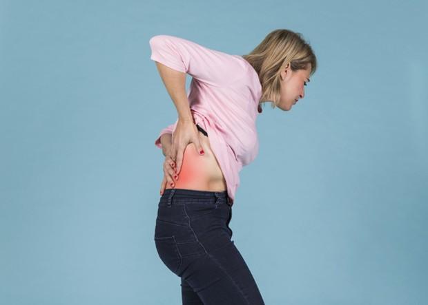 seseorang yang memiliki riwayat kanker, seperti kanker payudara atau prostat, kemungkinan besar nyeri punggung bawah juga disebabkan oleh hal tersebut.