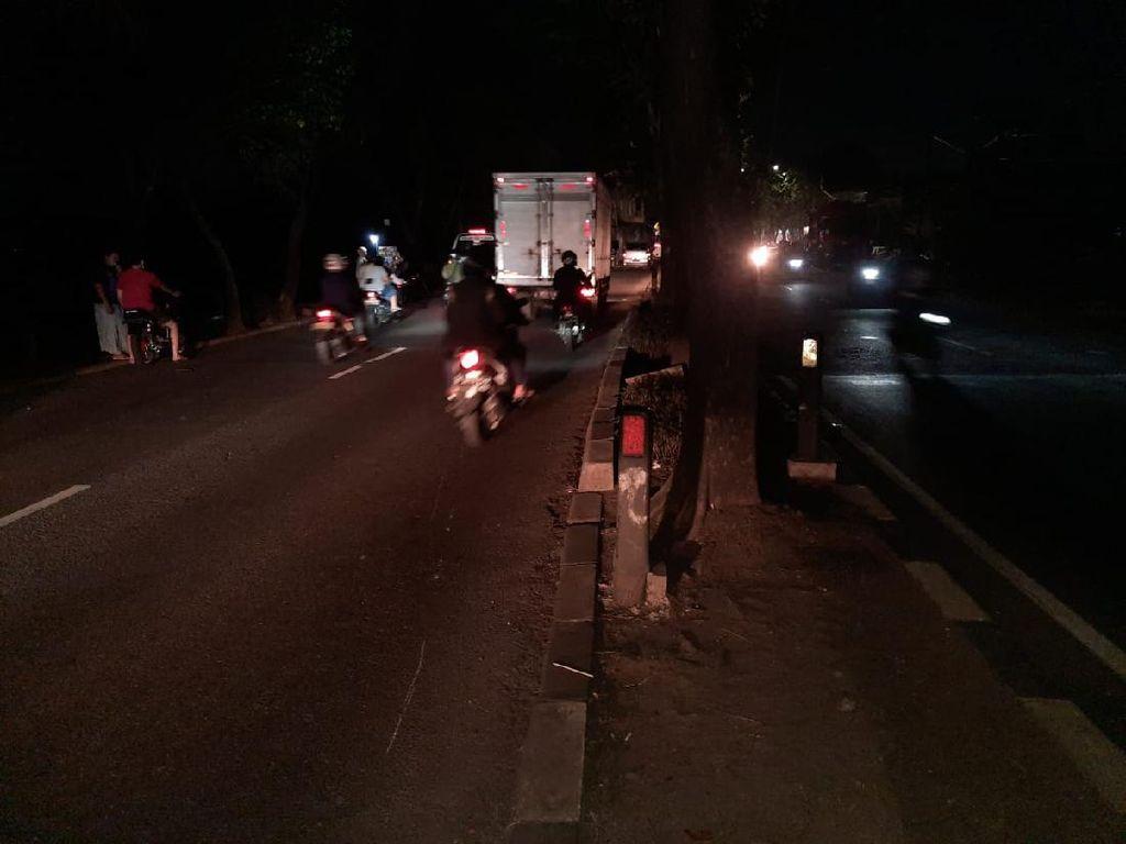 Ini TKP Kecelakaan Maut Bocah Bonceng 3 di Jaktim, Masih Ada Bercak Darah
