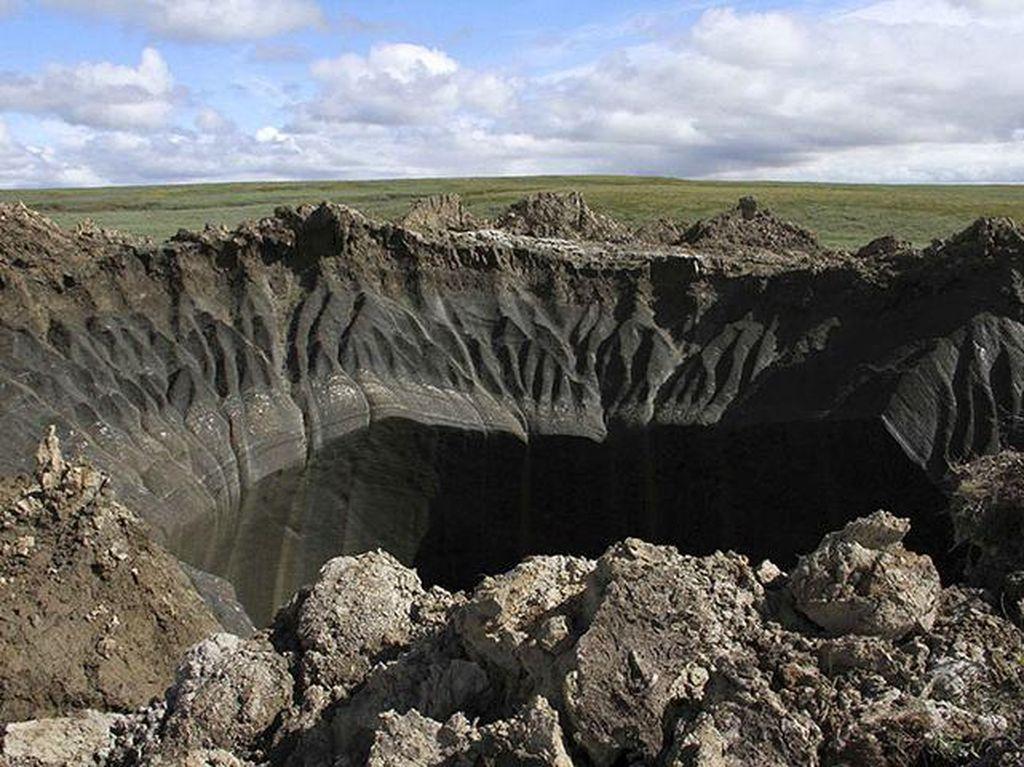 Misteri Lubang-lubang Raksasa di Siberia yang Bermunculan