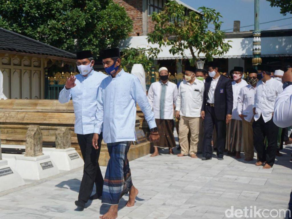 Usai Ziarah ke Makam Raden Patah, Mugi-Hebad Daftar Pilkada Demak