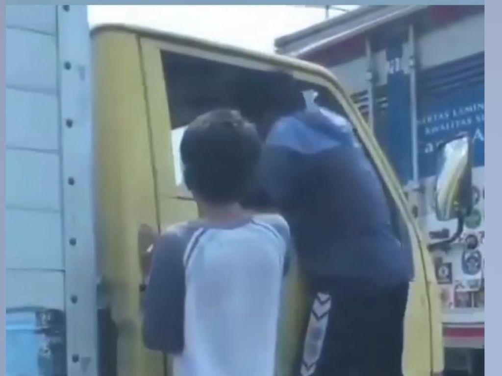Melihat Aksi Pemalakan Sopir Mobil Boks di Pluit