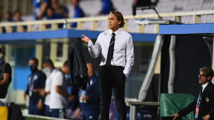 FLORENCE, ITALY - SEPTEMBER 04:  Head coach of Italy Roberto Mancini reacts during the UEFA Nations League group stage match between Italy and Bosnia and Herzegovina at Artemio Franchi on September 4, 2020 in Florence, Italy.  (Photo by Claudio Villa/Getty Images)