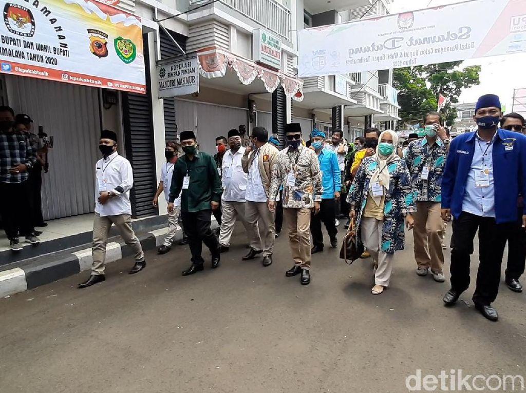 Azis-Haris Daftar ke KPU Tasikmalaya, Anggota DPR Dilarang Masuk karena Suhu Panas