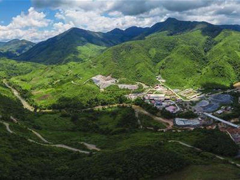 Lewati Gunung & Lembah, Jalur Kereta China-Laos 400 Km Siap Dibuka