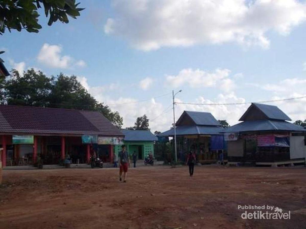 Bangunan Apa Saja di Sekitar SD Gantong Belitung