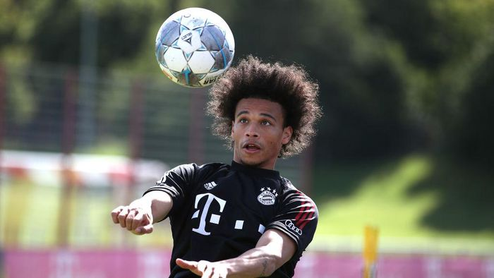 MUNICH, GERMANY - JULY 13: Leroy Sane of FC Bayern Muenchen battles for the ball during a training session at Saebener Strasse training ground on July 13, 2020 in Munich, Germany. (Photo by Alexander Hassenstein/Getty Images)