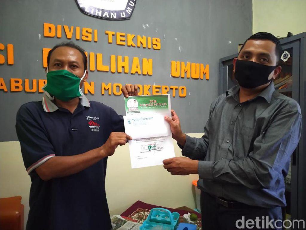 Bacawabup Ikbar Akhirnya Serahkan Hasil Tes Swab ke KPU Mojokerto