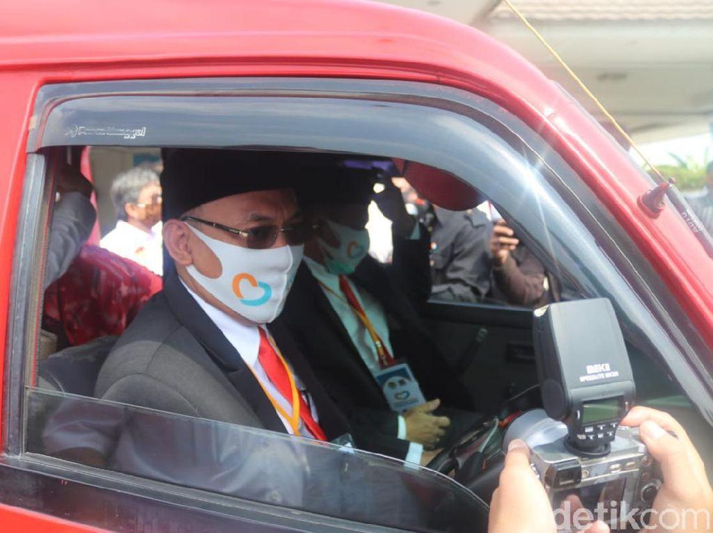 Berdasi Merah, Cawalkot Berkarya Poligami Politik Daftar Bareng PKS