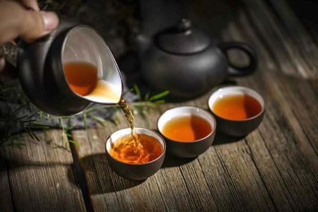 Teh hitam merupakan salah satu jenis teh yang efektif menurunkan berat badan.