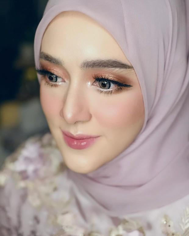 riasan mata menjadi kunci untuk penonjolan look flawless yang diinginkan