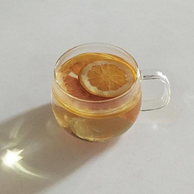 Rasanya yang unik dan lebih segar membuat teh lemon ini lebih banyak diminati dari pada jenis teh pada umumnya.
