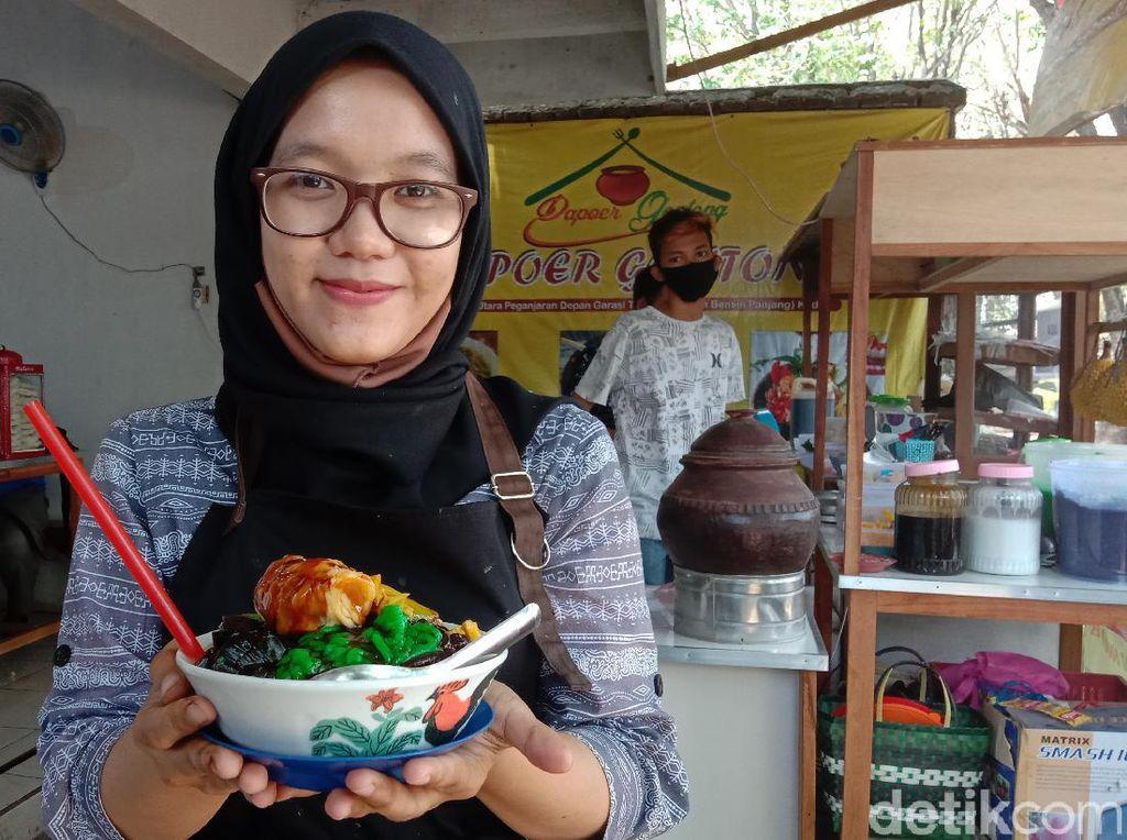 Ini Rahma, Penjual Dawet Durian yang Berparas Ayu dari Kota Kretek
