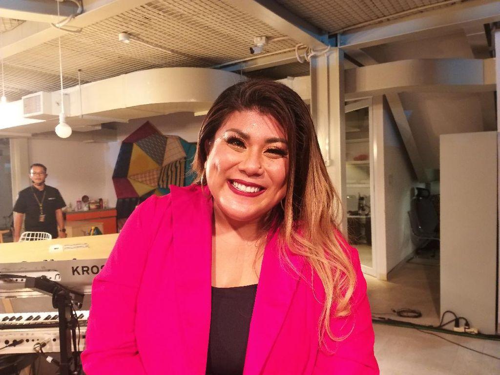 Regina Idol Bicara Perihal Tunangan hingga Rencana Pernikahan