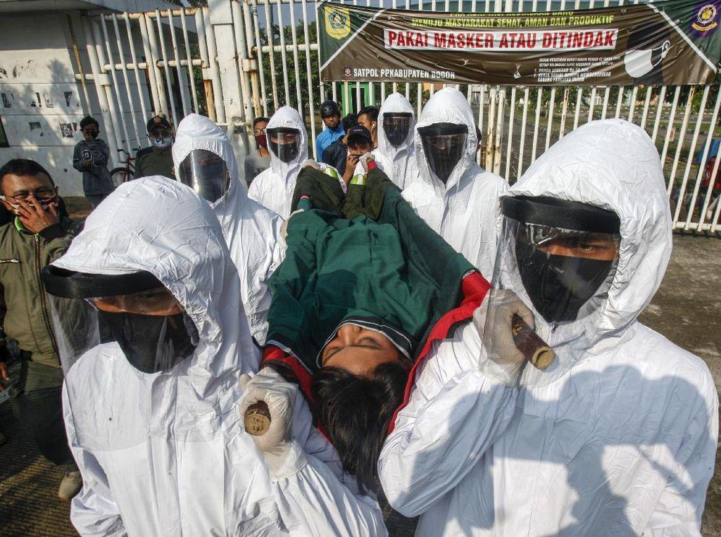 Tidak Pakai Masker, Warga Bogor Ini Digotong ke Pemakaman