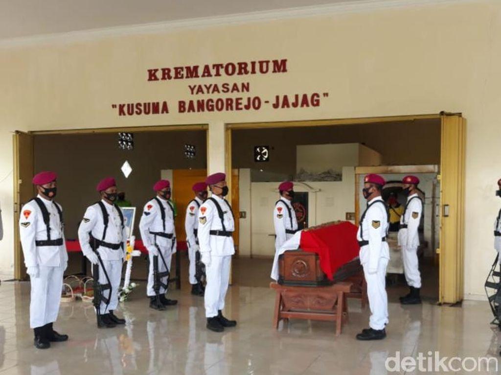 Jenazah Pengangkat Pahlawan Revolusi Dikremasi, Abu Dilarung di Selat Bali