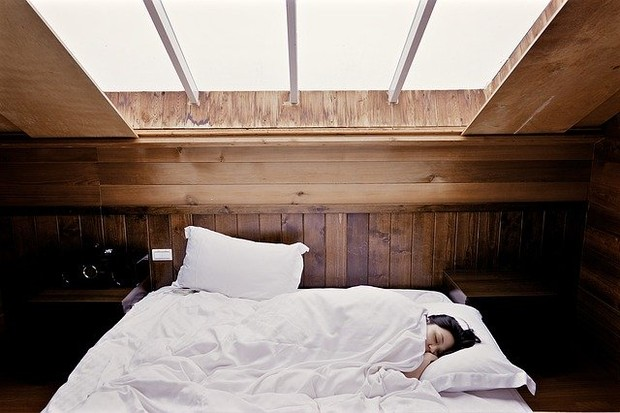 Bangun Jadi Lelah Karena Tidur dengan Lampu Menyala/ Foto: Pixabay.com