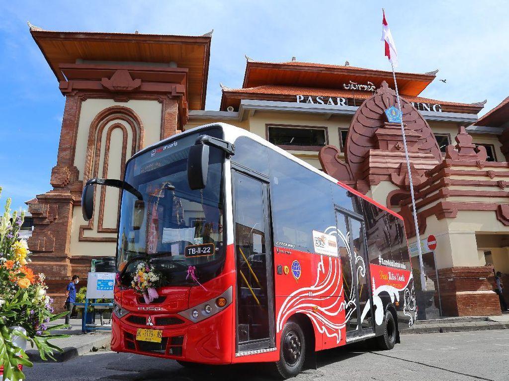 Menhub: Bus yang Keren Harus Ada di Seluruh Indonesia