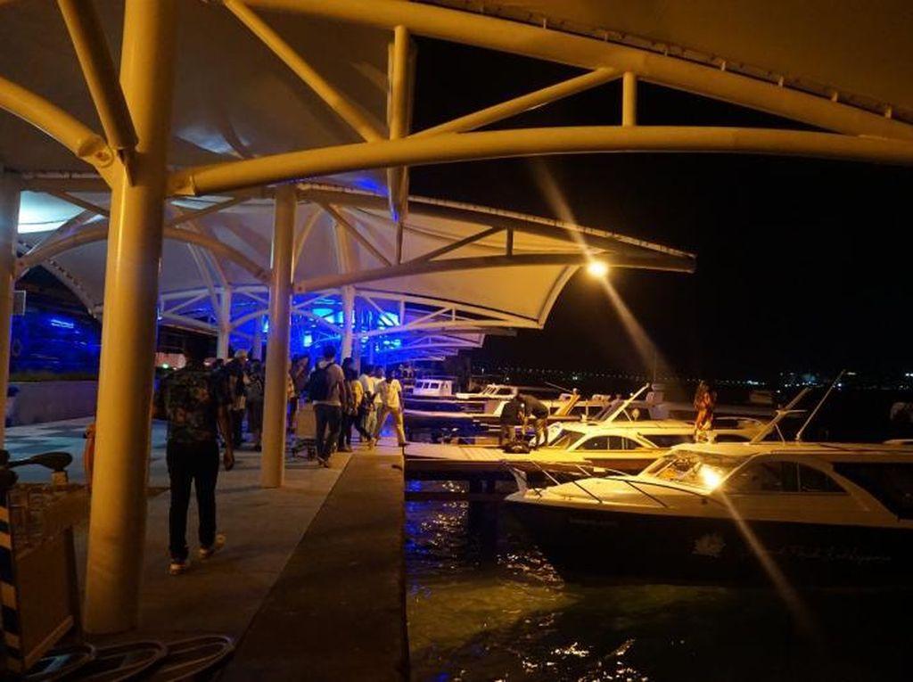 Hanya di Maldives, Keluar Bandara Dijemput Kapal