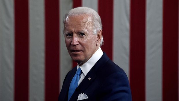 Democratic presidential nominee and former US Vice President Joe Biden participates in a virtual grassroots fundraiser along his vice presidential running mate, US California Senator Kamala Harris, at the Hotel du Pont in Wilmington, Delaware on August 12, 2020. (Photo by Olivier DOULIERY / AFP)