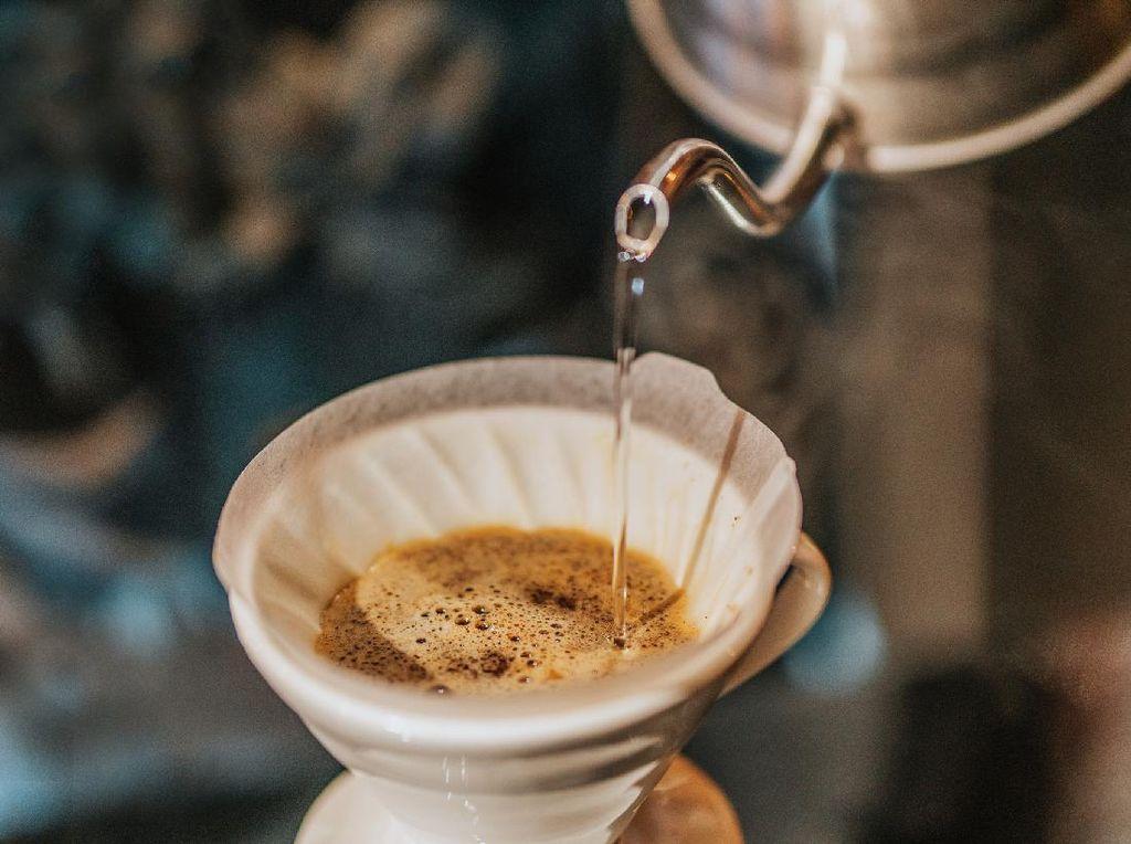 Pesaing Starbucks Asal China, Luckin Coffee Terancam Bangkrut