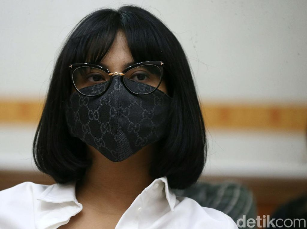 2 Saksi Fakta Tak Hadir, Sidang Lanjutan Vanessa Angel Ditunda
