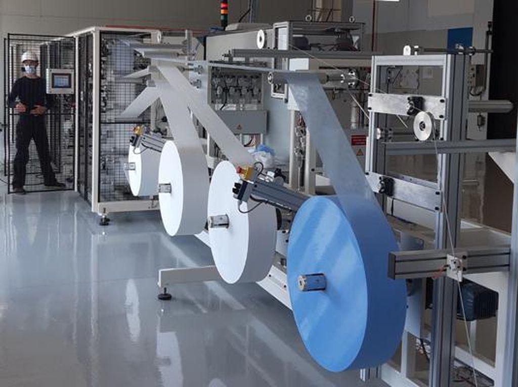 Pabrik Peugeot Mulai Produksi Masker, 12 Ribu Lembar Per Jam