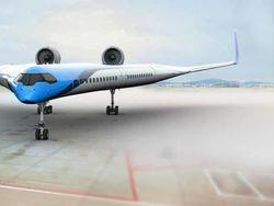 Penumpang Pesawat Masa Depan Duduk di Sayap
