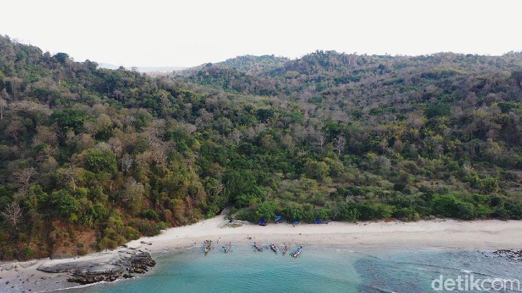 Melihat Panomara Pulau Kunti di Sukabumi