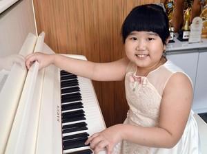 Angel, Pianis Cilik yang Ingin Seperti Joey Alexander