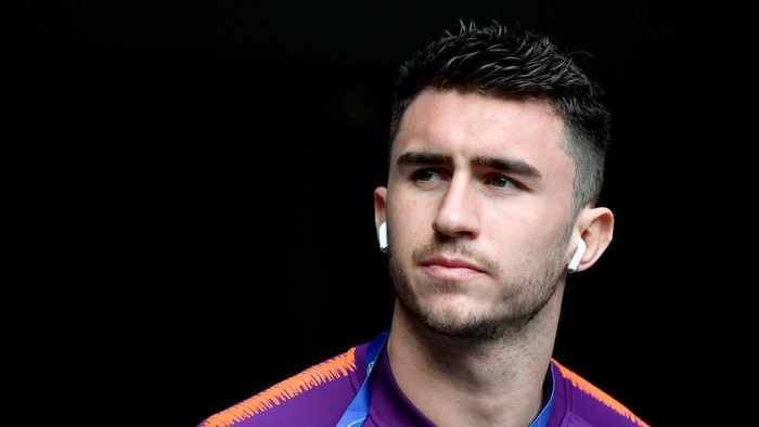 LONDON, ENGLAND - APRIL 09:  Aymeric Laporte of Manchester City arrives ahead of the UEFA Champions League Quarter Final first leg match between Tottenham Hotspur and Manchester City at Tottenham Hotspur Stadium on April 09, 2019 in London, England. (Photo by Dan Mullan/Getty Images)