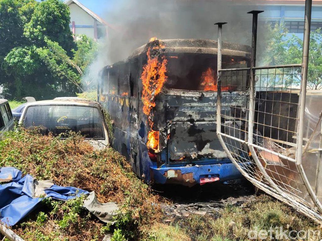 Bus Unair yang Sudah Dilelang Terbakar