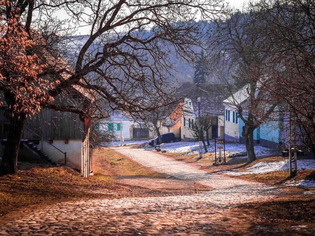 Desa Terpencil yang Bete Karena Pangeran Charles