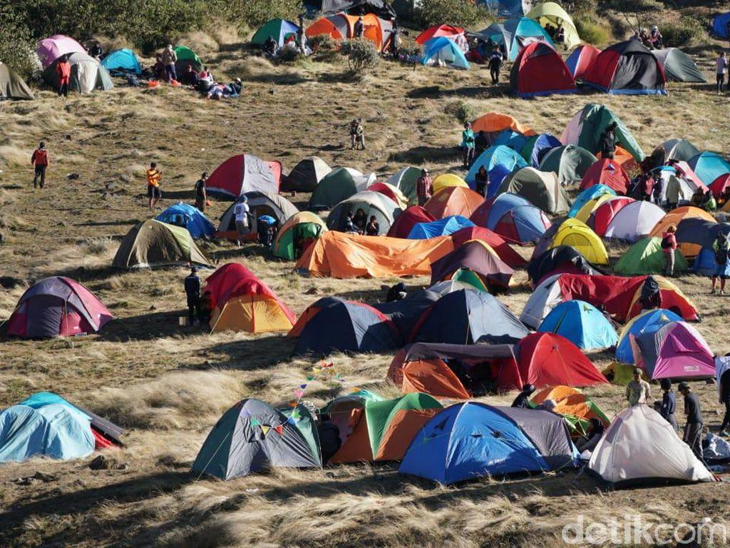 Mulai Besok, Pendakian Gunung Gede Pangrango Kembali Tutup