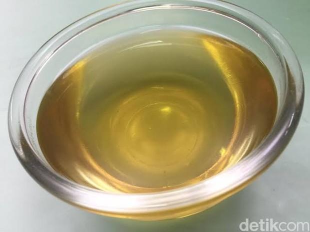 Mengonsumsi rebusan daun pandan atau teh pandan dua kali sehari dapat menangkal racun serta menghambat pertumbuhan sel-sel kanker.