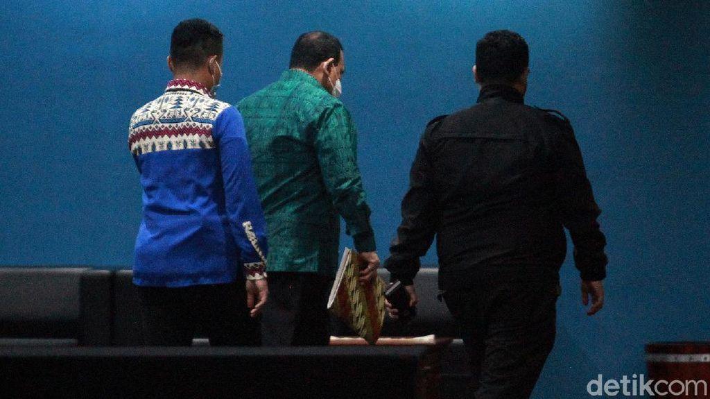 Jalani Sidang Etik, Ketua KPK Firli Masuk Lewat Pintu Belakang
